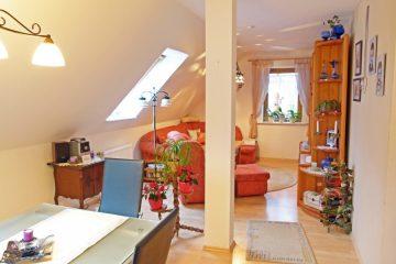 ruhig und dennoch zentral, gemütliche Dachgeschosswhg. mit eigenem Eingang, 27356 Rotenburg (Wümme), Dachgeschosswohnung