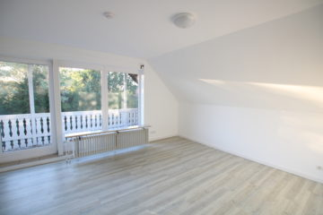Erstbezug nach Renovierung! 4-Zimmer Dachgeschosswohnung mit 96 m² Wohnfläche, 27383 Scheeßel / Jeersdorf, Dachgeschosswohnung